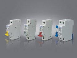 شرکت خیام الکتریک ارائه دهنده انواع فیوز